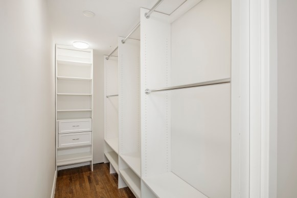 13-3541-Cabrillo-1bed-closet-high-res
