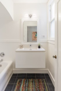 64 Rosemont Pl, San Francisco | Bathroom w/ Tub and Shower Stall