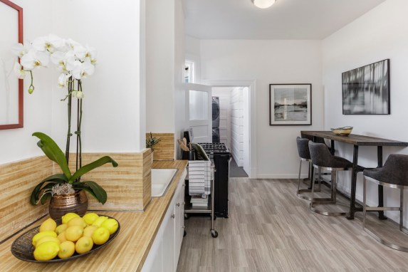 11-4758-17th-kitchen-high-res