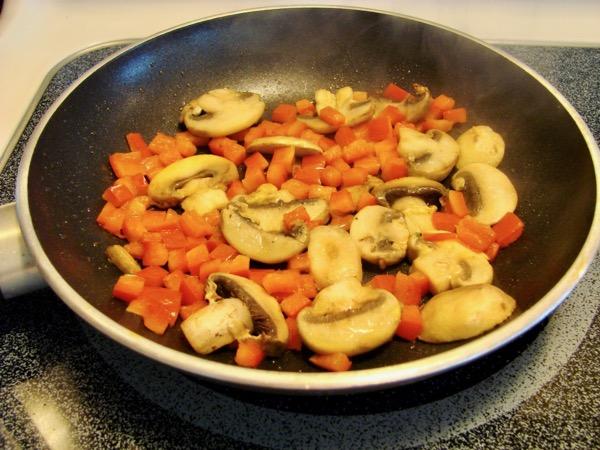 Easy Omelette Recipe Mushrooms Tomatoes