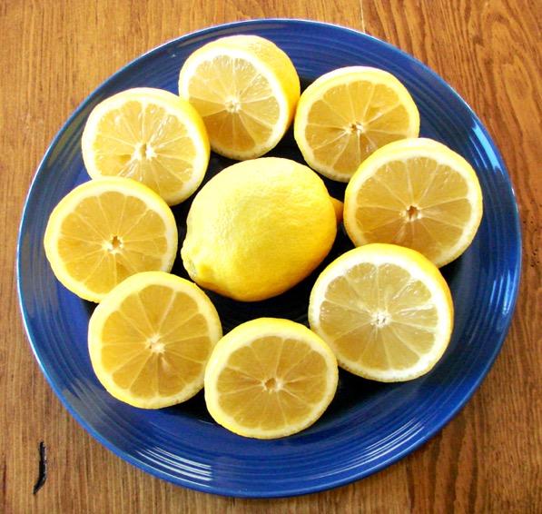 How to Make Fresh Squeezed Lemonade