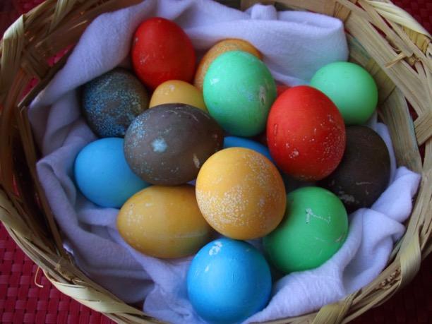 DIY Kook Aid Easter Egg Coloring