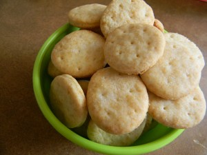 Homemade Ritz Crackers Recipe at TheFrugalGirls.com