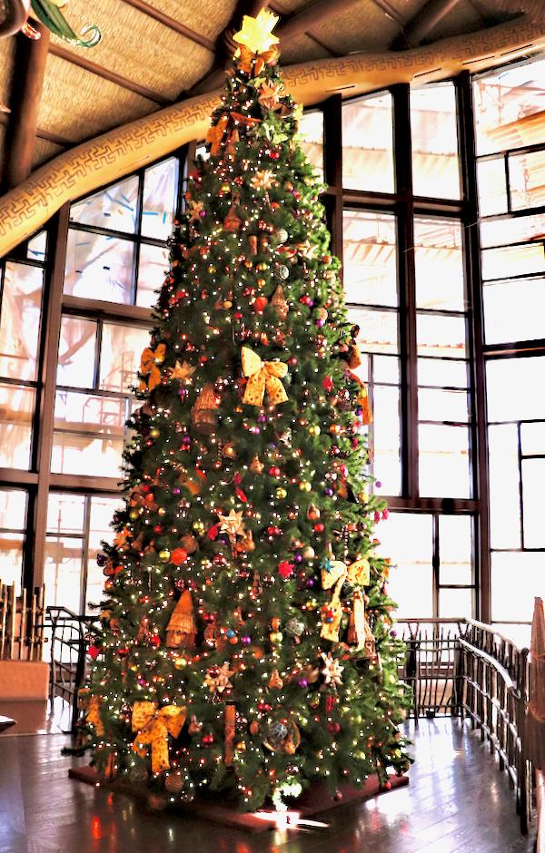 Disney Animal Kingdom Lodge Christmas Decorations