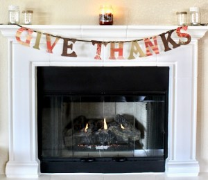 Give Thanks Thanksgiving Banner DIY