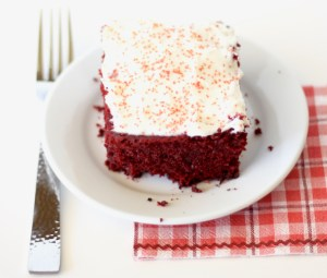 Easy Crockpot Red Velvet Cake