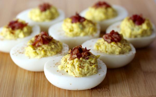 Easy Bacon Deviled Eggs Recipe