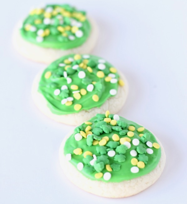 St. Patrick's Day Cookies Decorating