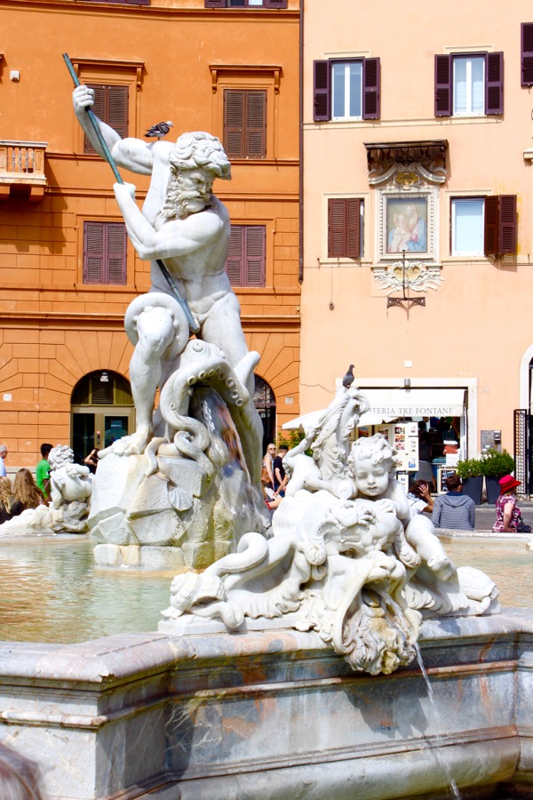 Top Rome Italy Travel Tips Piazza Navona from TheFrugalGirls.com
