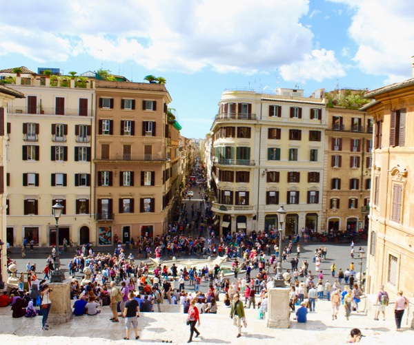 Top Rome Italy Travel Tips at the Spanish Steps from TheFrugalGirls.com