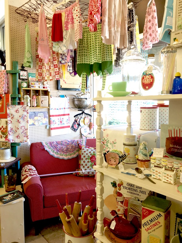Best Antiques Arizona Vintage Store List at TheFrugalGirls.com