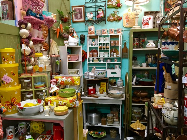 Best Arizona Antique Stores List at TheFrugalGirls.com
