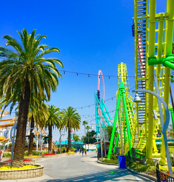 Best Family Friendly Theme Parks from TheFrugalGirls.com