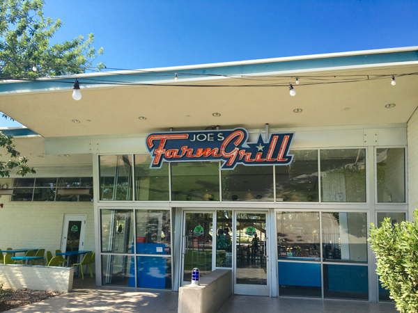 Phoenix AZ Best Restaurants! {where to eat} from TheFrugalGirls.com