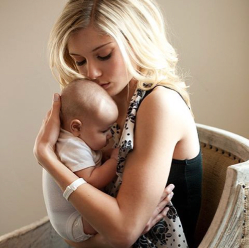 5 Free Nursing Bracelets for Busy Moms at TheFrugalGirls.com