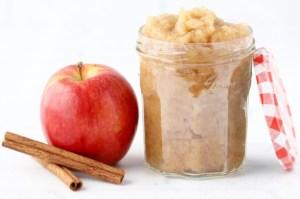 5-Ingredient Pressure Cooker Applesauce Recipe! (Instant Pot)