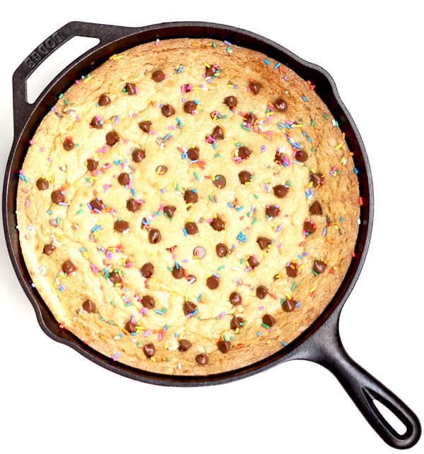 Easy Skillet Cookie Chocolate Chip