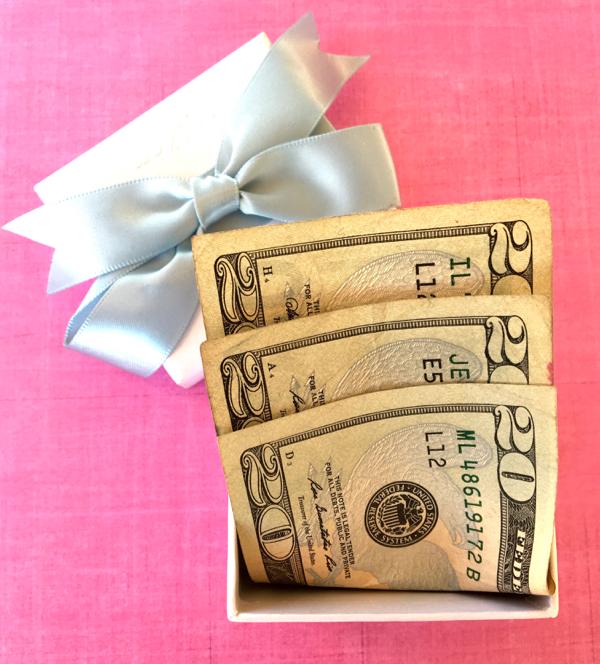 Ways To Make Extra Money On Maternity Leave!