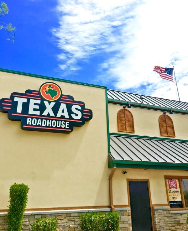 How To Eat Free At Texas Roadhouse