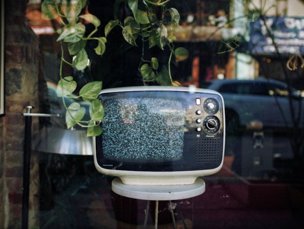 Vintage TV without cable