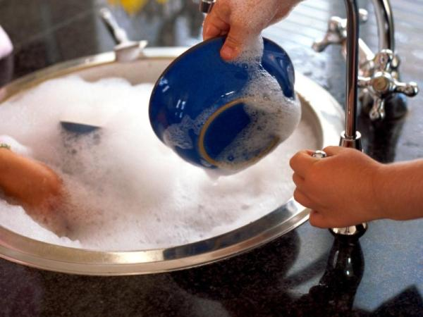 Dish soap and people washing dishes