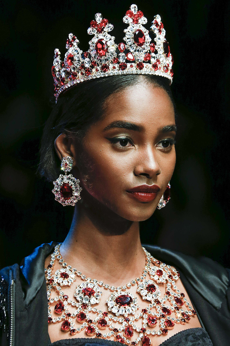 Crowning Glory: How to Wear 3 Spring 2018 Hair Accessory Trends