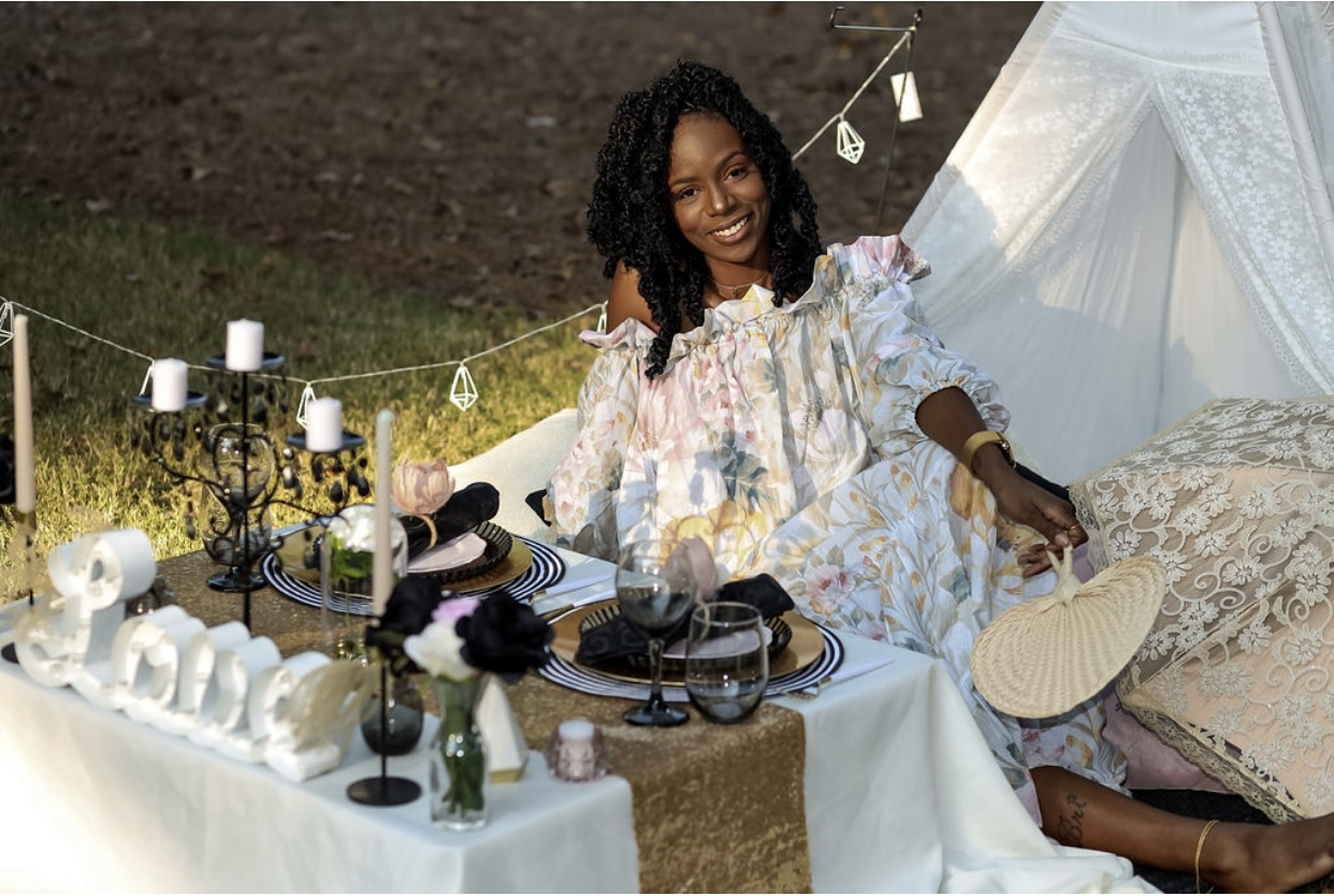 A Tailor'd Picnics plans the socially distant event of your dreams