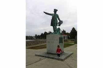 Wellington Ave park, beach and monument