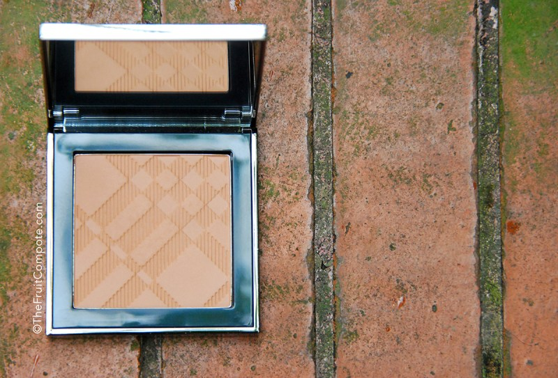 Burberry-Warm-Glow-Natural-Bronzer-01-2