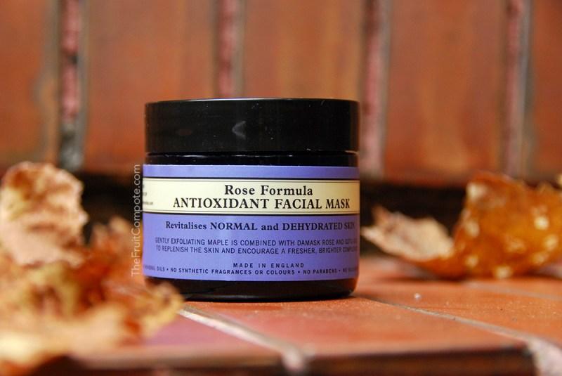 neals-yard-remedies-rose-formula-antioxidant-facial-mask-review-swatch-photos-1