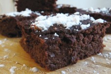 BlackBeanBrownies_proteincupcakes_ONLINE