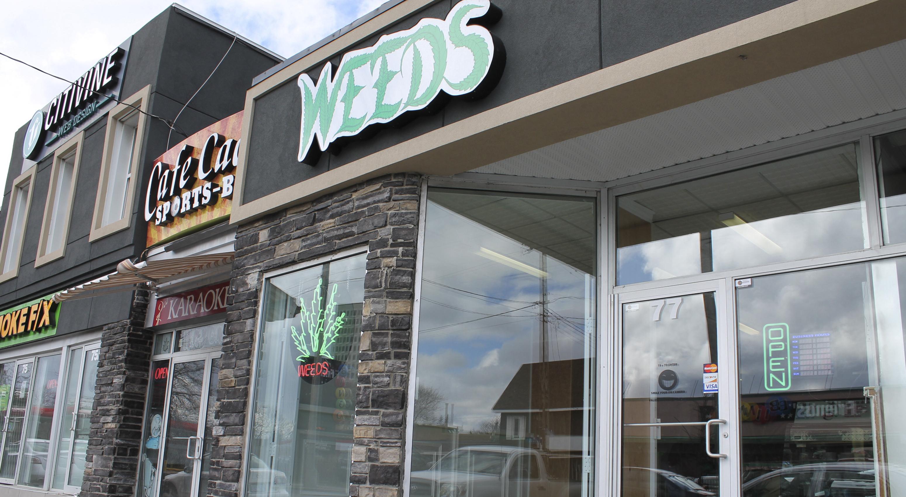 Weeds_Kyle_WEB