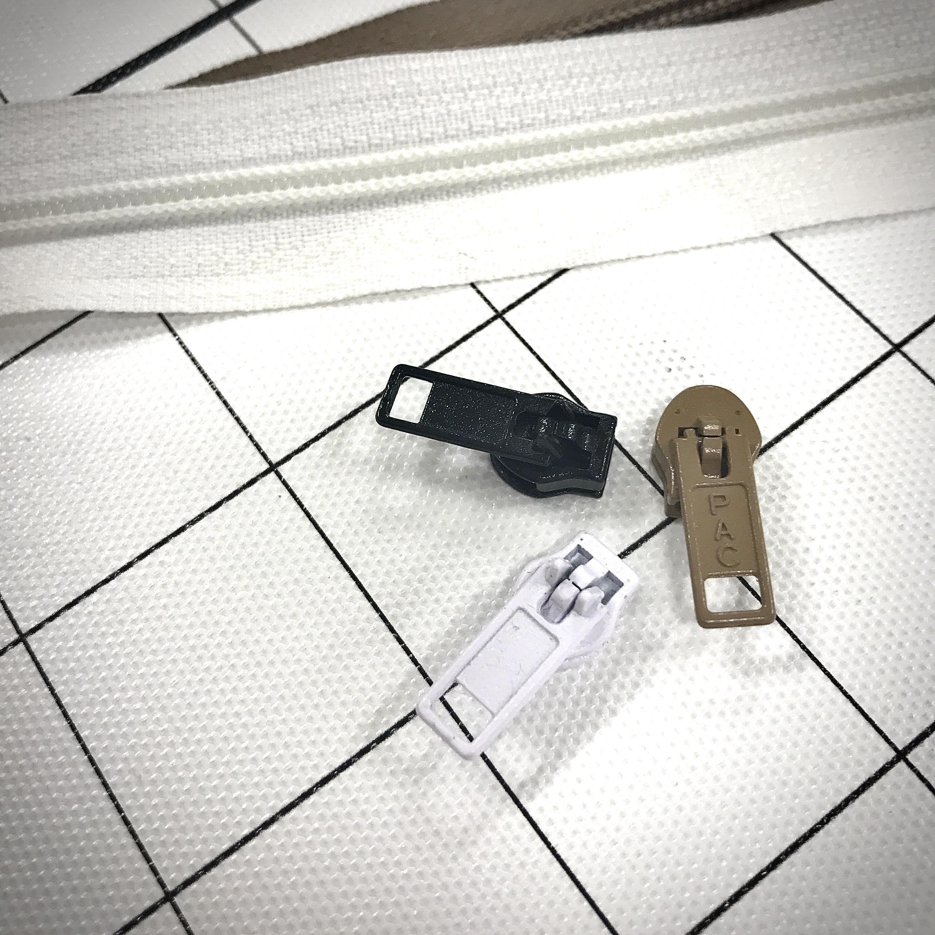 4.5 Nylon Zipper Slides
