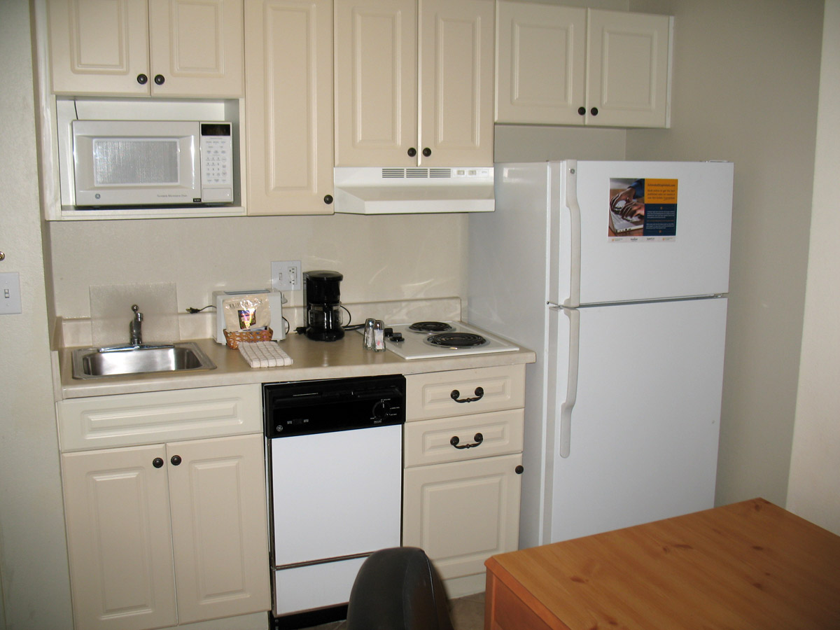 hotel with kitchen outside island are extended stay motels a good option for temporary