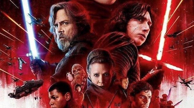 The Star Wars: The Last Jedi International Poster Reveals Luke With a Lightsaber…