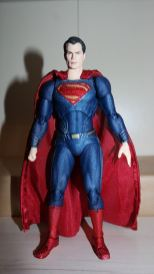 Review Mafex Superman 9