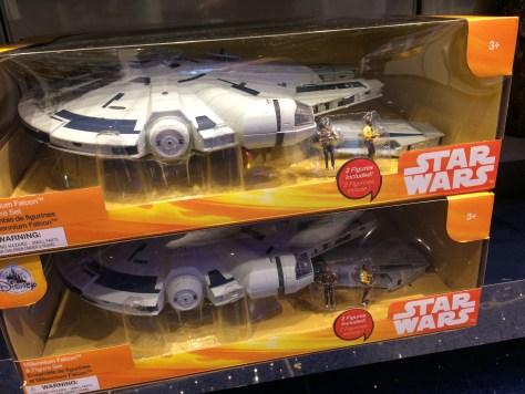 Disney-Store-Solo-Millennium-Falcon-Set