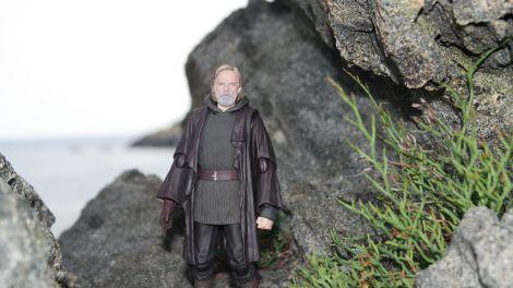 Luke Skywalker-Figuarts-Review-16