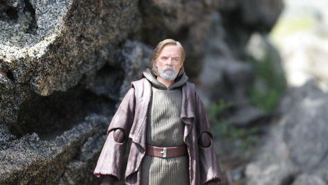 Luke Skywalker-Figuarts-Review-23