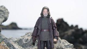 Luke Skywalker-Figuarts-Review-9