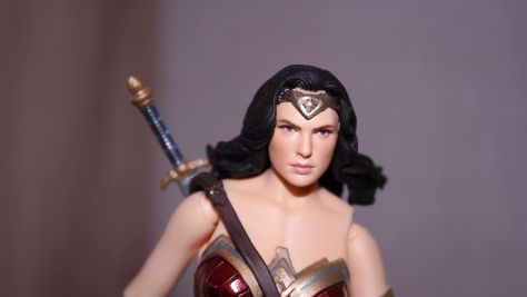 FOTF Mafex Medicom Wonder Woman Review 9