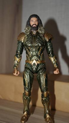 Mafex-Aquaman-Justice-League-Review-16