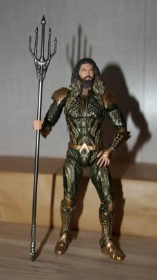 Mafex-Aquaman-Justice-League-Review-7