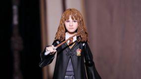 SH-Figuarts-Harry-Potter-Hermione-Granger-Review-5