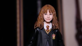 SH-Figuarts-Harry-Potter-Hermione-Granger-Review-6