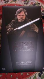 Hot Toys Luke Skywalker Review 1