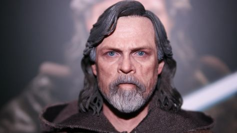 Hot Toys Review | Luke Skywalker - Star Wars: The Last Jedi (Deluxe Version) MMS458