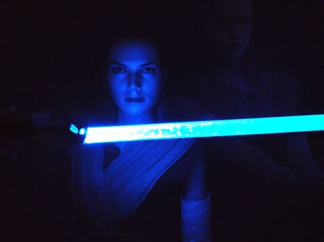 Star Wars Hot Toys Rey (Jedi Training) Review 24