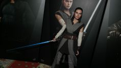 Star Wars Hot Toys Rey (Jedi Training) Review 4
