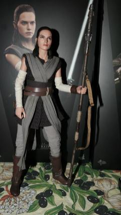 Star Wars Hot Toys Rey (Jedi Training) Review 7